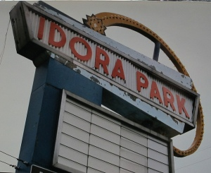 Idora Park sign (accessed from http://amusementparkauthority.com/park_index/defunct_parks/idora/idora.html)