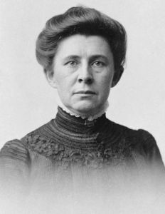 """Ida M Tarbell crop"" by On recto: J.E. Purdy & Co. Copyright by J.E. Purdy, Boston. - Licensed under Public Domain via Wikimedia Commons - http://commons.wikimedia.org/wiki/File:Ida_M_Tarbell_crop.jpg#mediaviewer/File:Ida_M_Tarbell_crop.jpg"