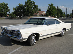 1967 Ford Galaxie 500 By JohnBgon (Own work) [Public domain], via Wikimedia Commons