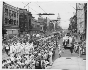 Parade Down Federal Street, circa 1940 / copyright Ohio Historical Society