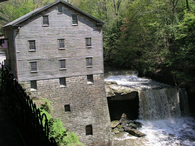 1024px-Lanterman's_Mill_-_Mill_Creek_Park